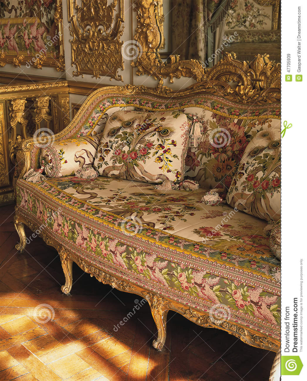 Furniture In Queen Marie Antoinette Bedroom At Versailles ...