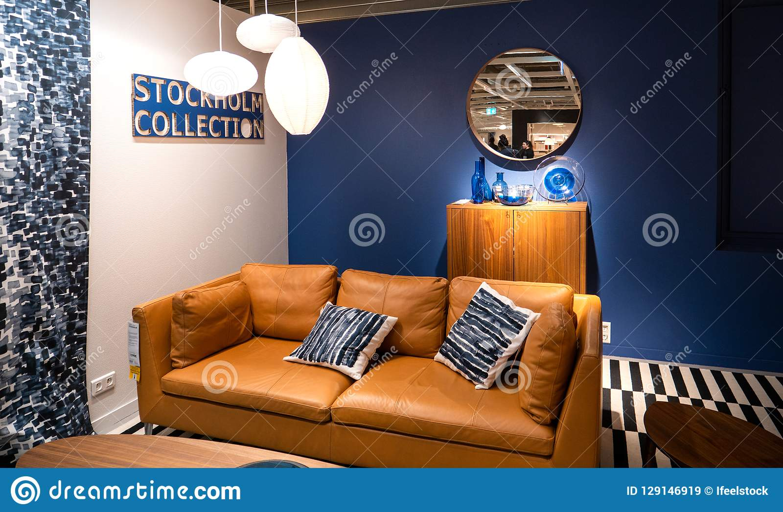 Picture of: Furniture Store With Leather Sofa Editorial Stock Image Image Of Window Chair 129146919