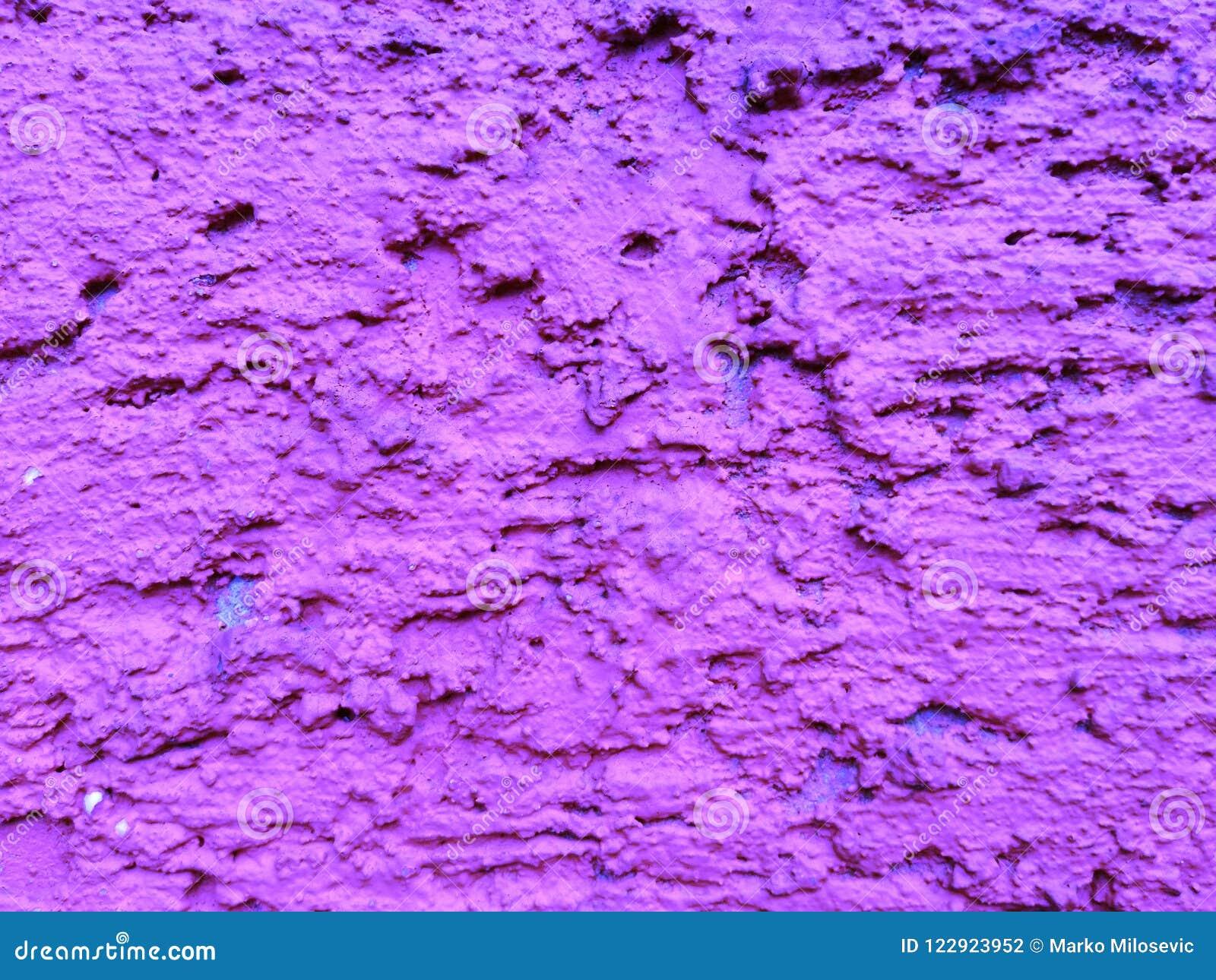 Furos roxos da parede para o fundo