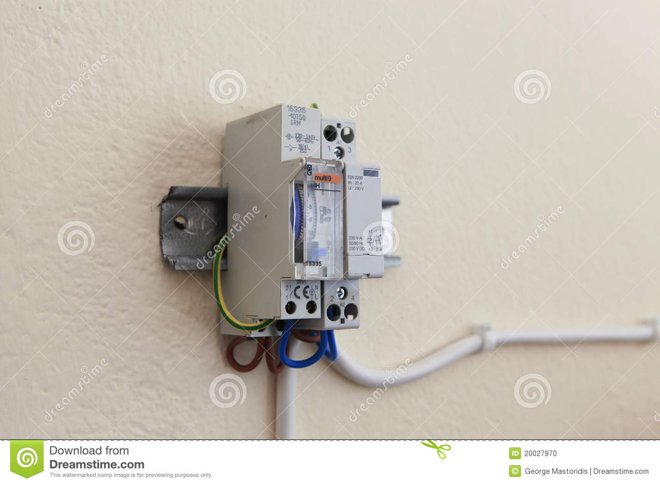Fuse Box Switch Is Red : Fuse box timer switch wiring diagram images