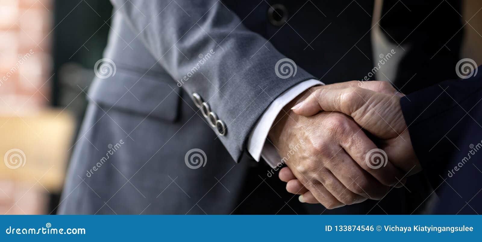 Fusions et acquisitions d affaire d affaires