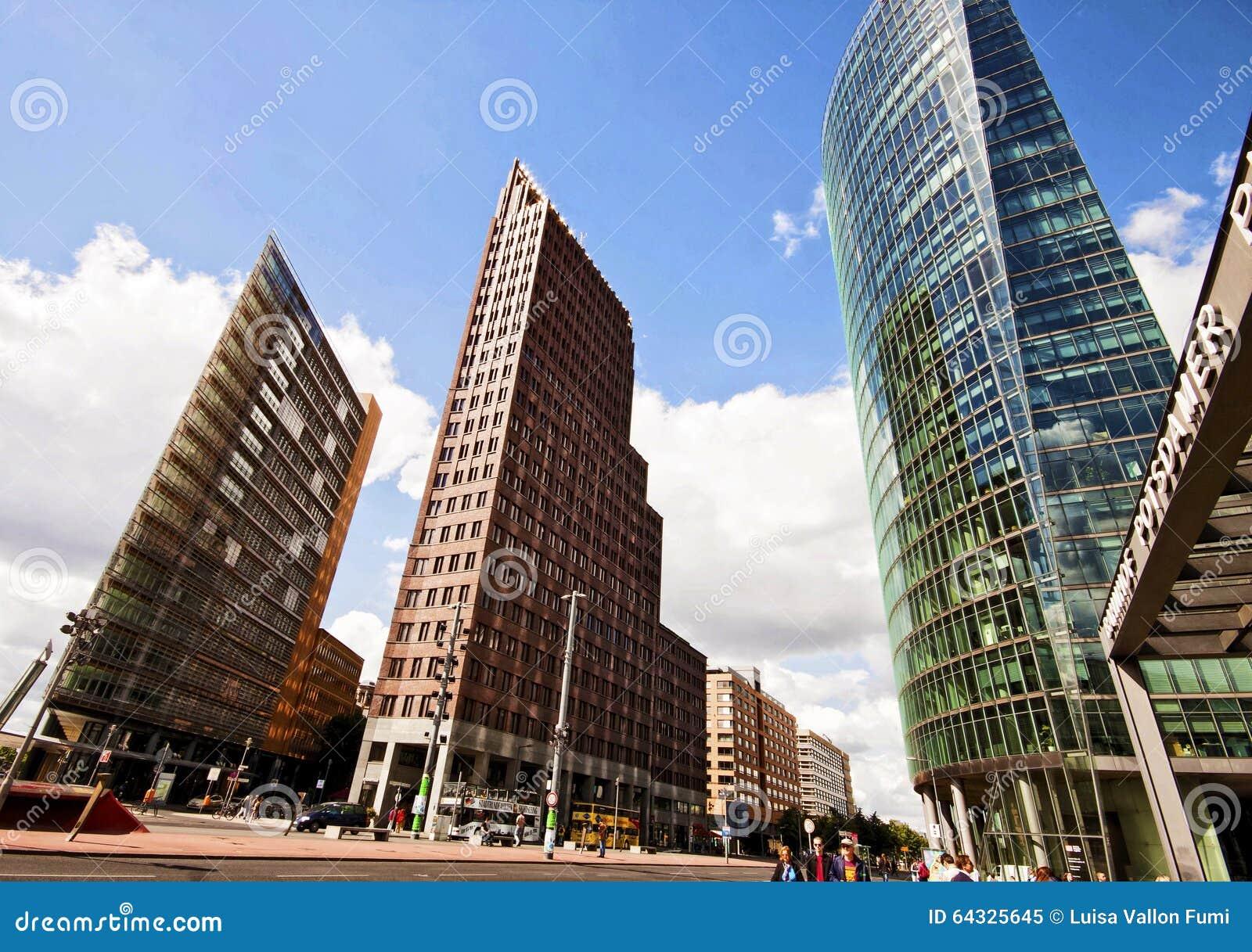 Futuristische Architektur Bei Potsdamer Platz In Berlin Niedrige