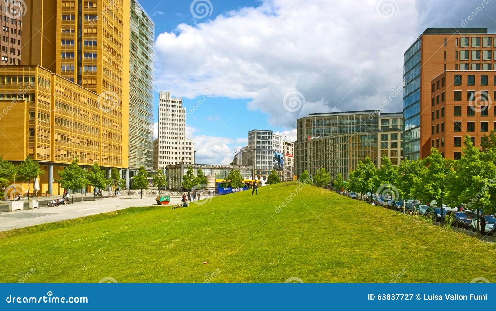 Futuristische Architektur Berlin Germanys Am Tilla Durieux Park