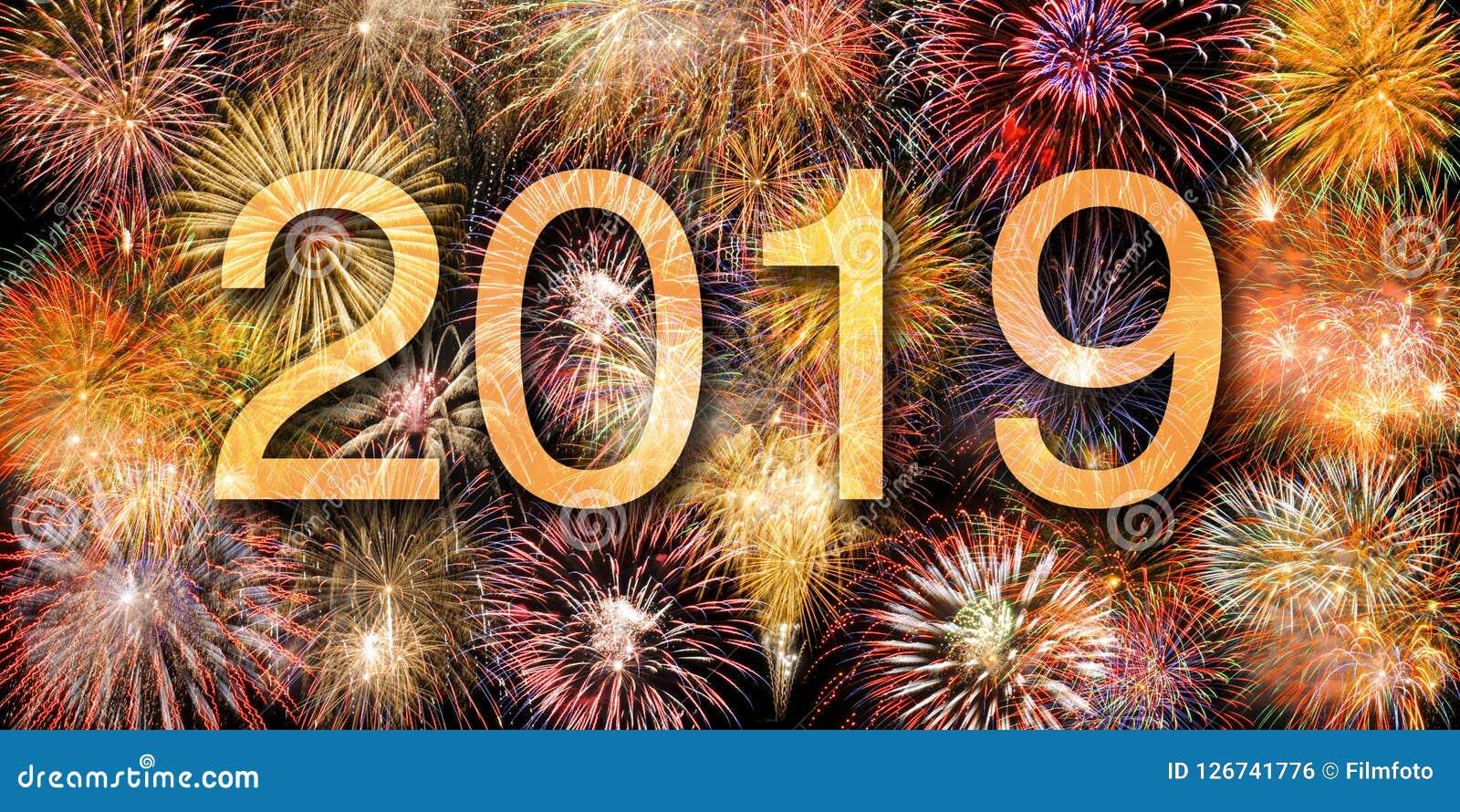 Fyrverkerier på Silvester och dagen 2019 för ` s för nytt år