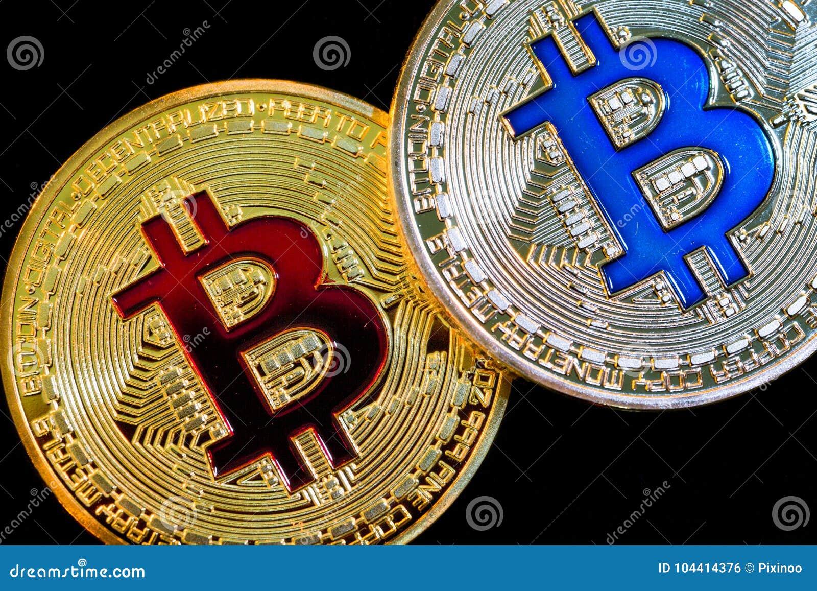Fysisk version av Bitcoin nya faktiska pengar på svart bakgrund