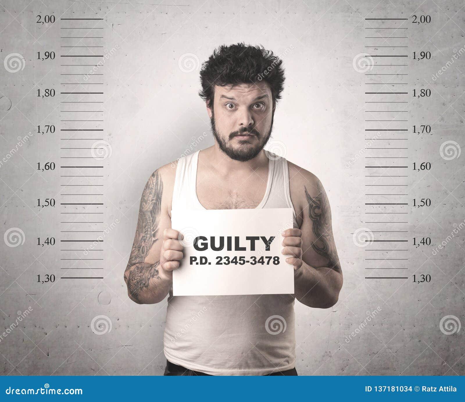 Gángster cogido en cárcel