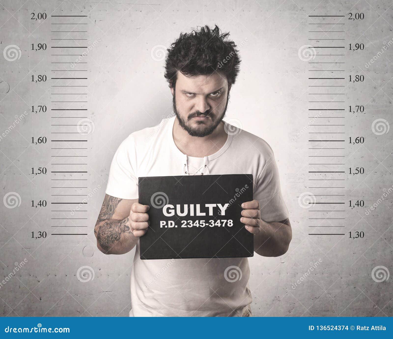 Gângster travado na cadeia