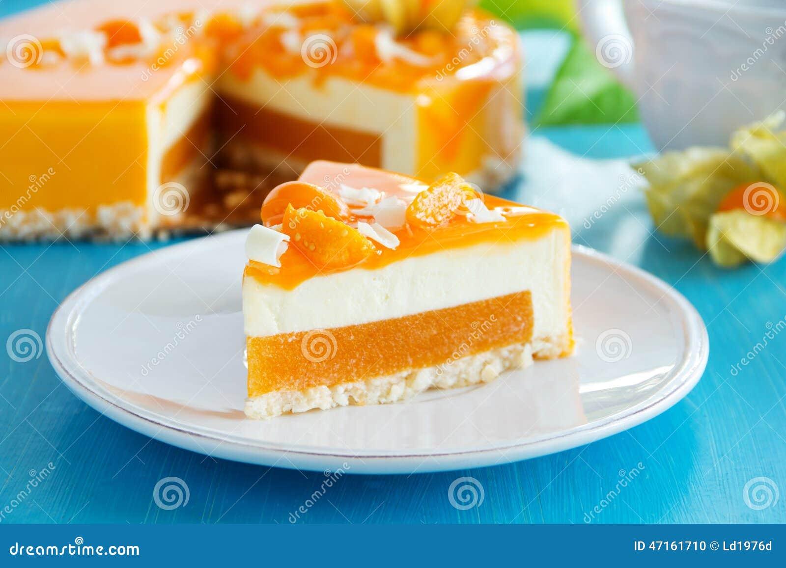Gâteau crémeux avec la noix de coco