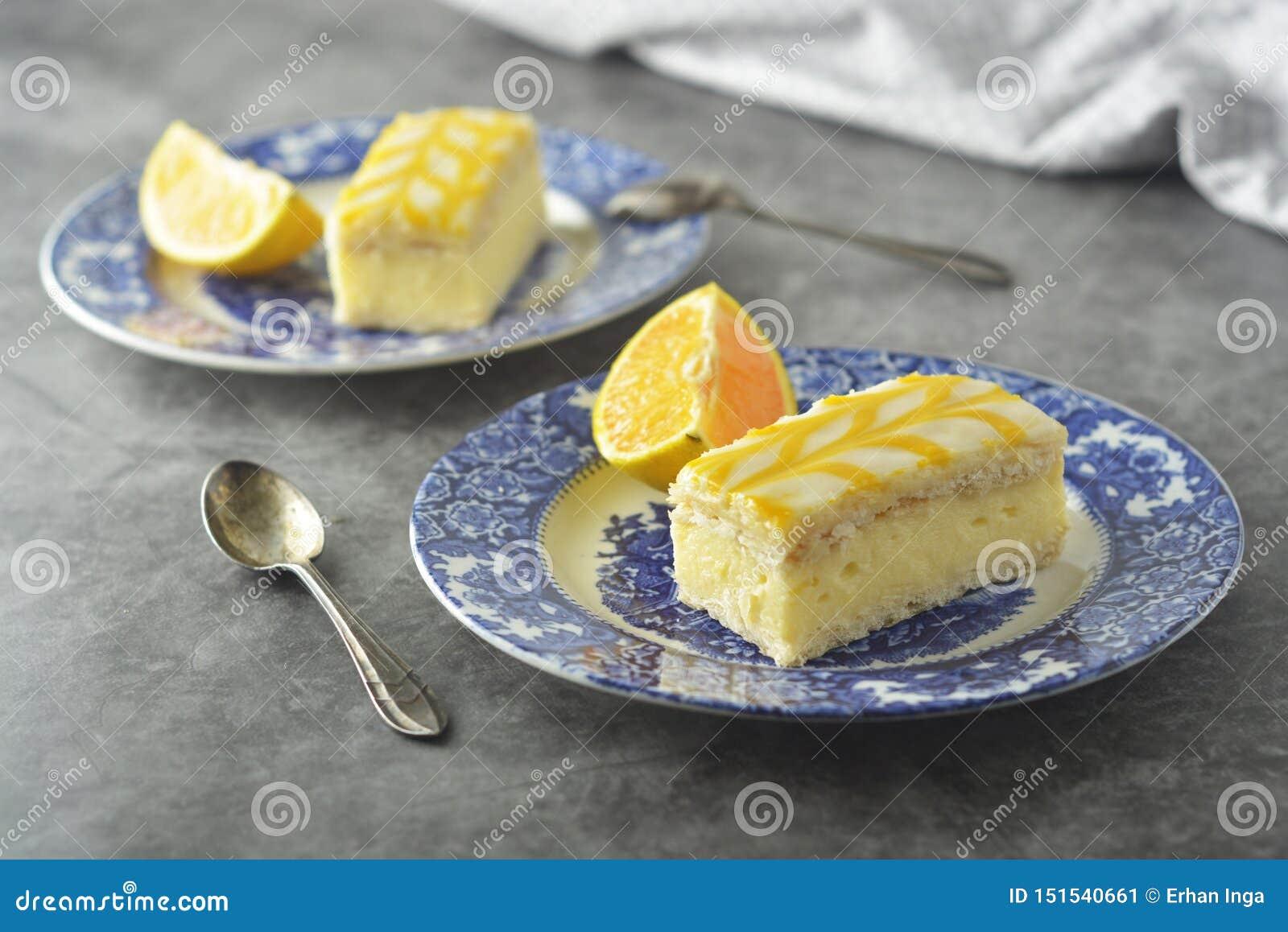 Gâteau de bruine de citron, dessert de gâteau de croûte de citron
