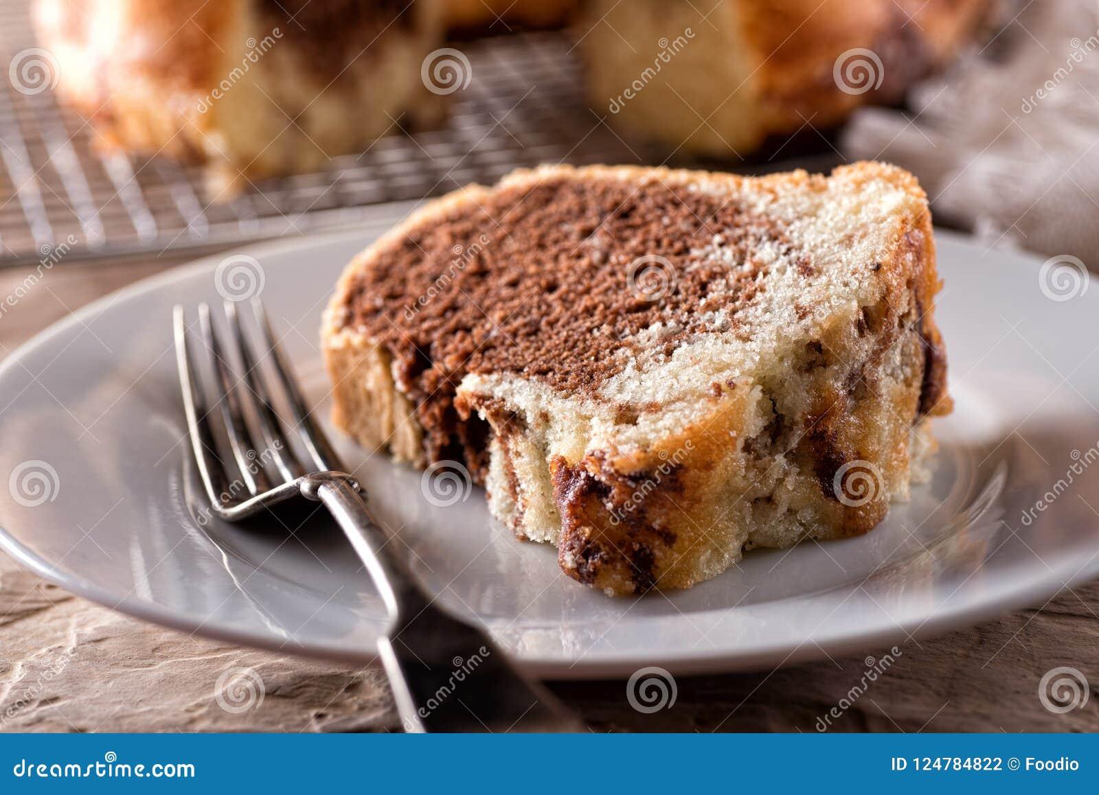 Gâteau de Bundt marbré par amande de chocolat