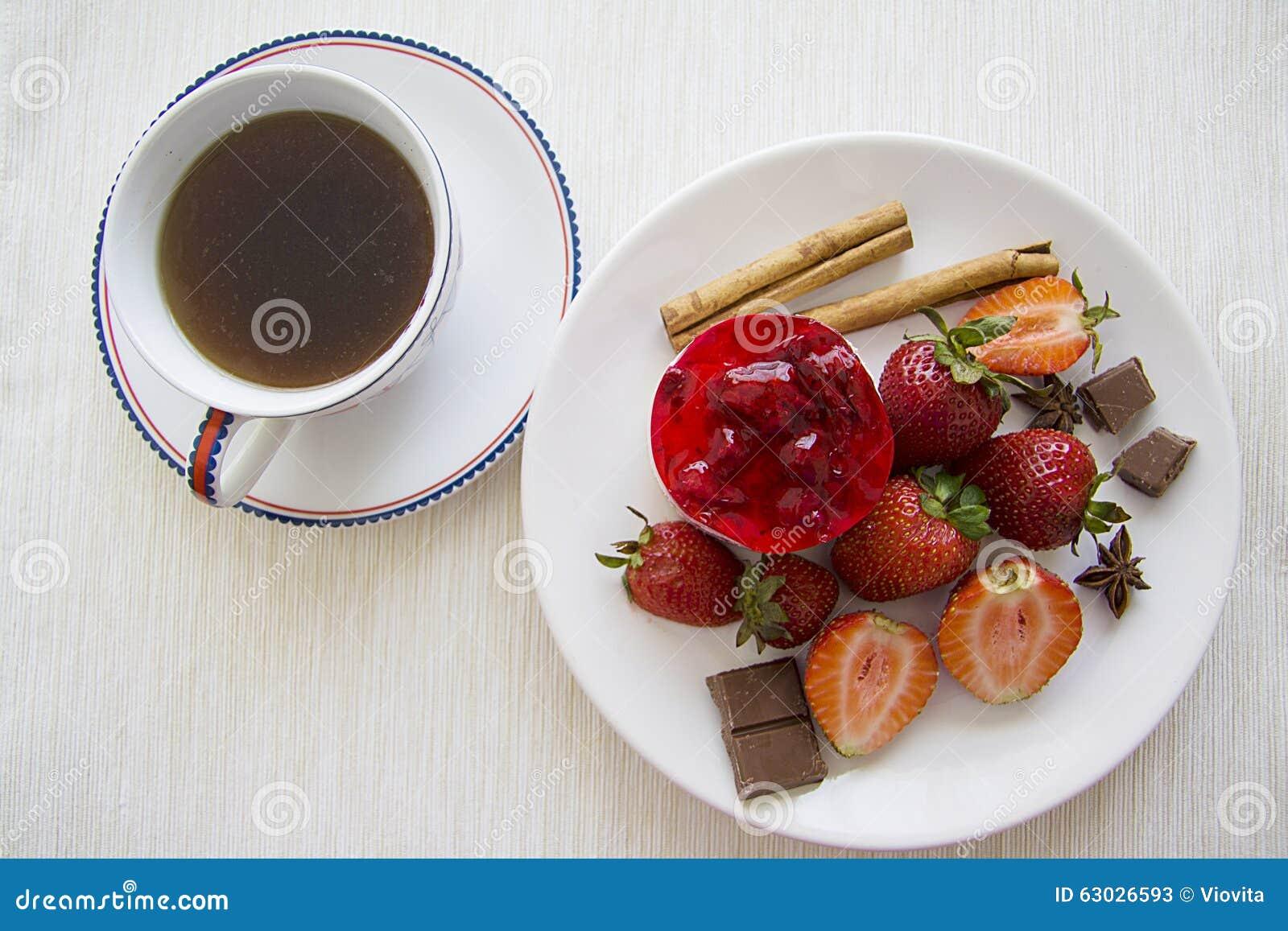 gateau framboise dans une tasse les recettes populaires blogue le blog des g teaux. Black Bedroom Furniture Sets. Home Design Ideas