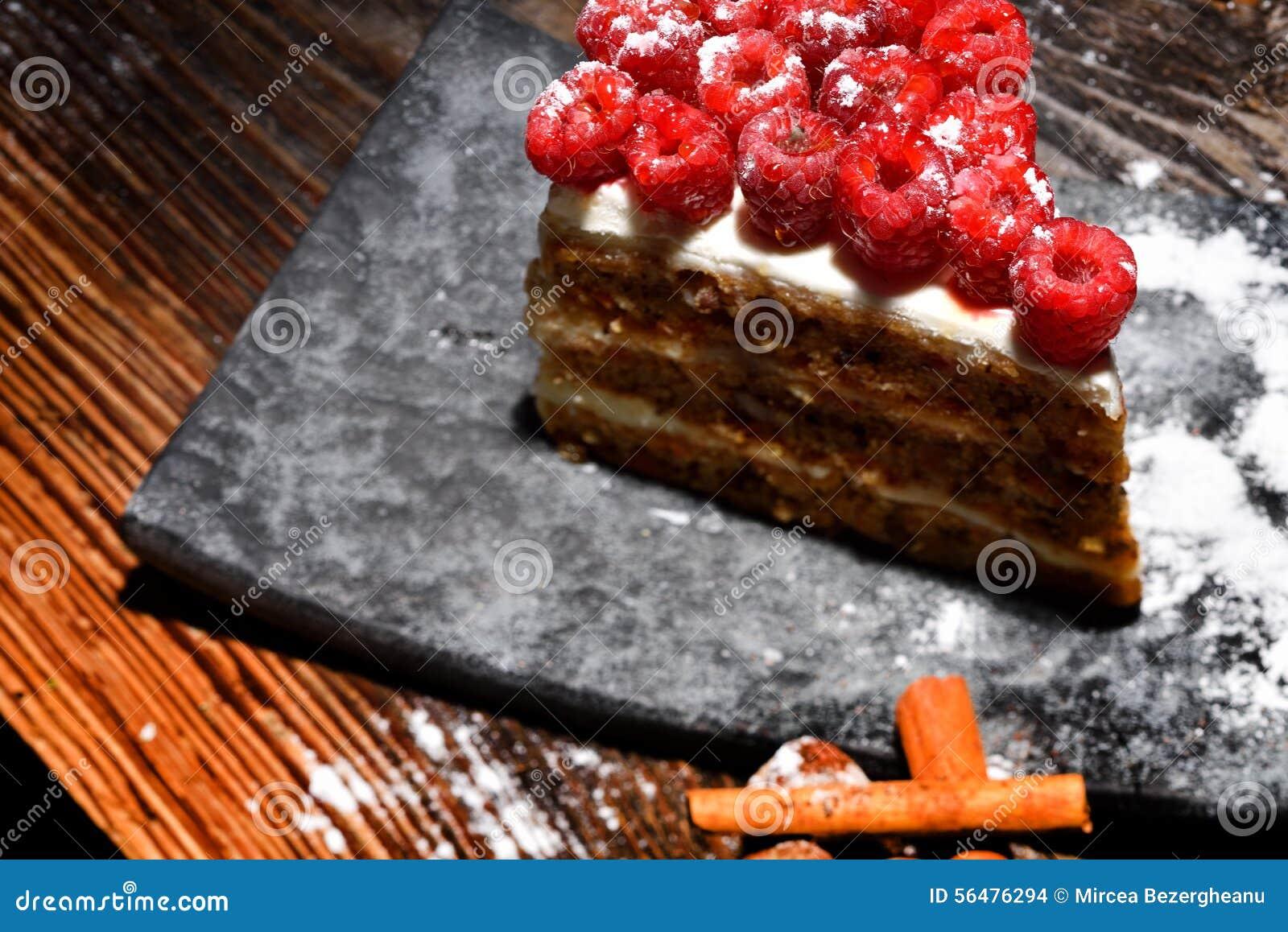 Gâteau de framboise de plat
