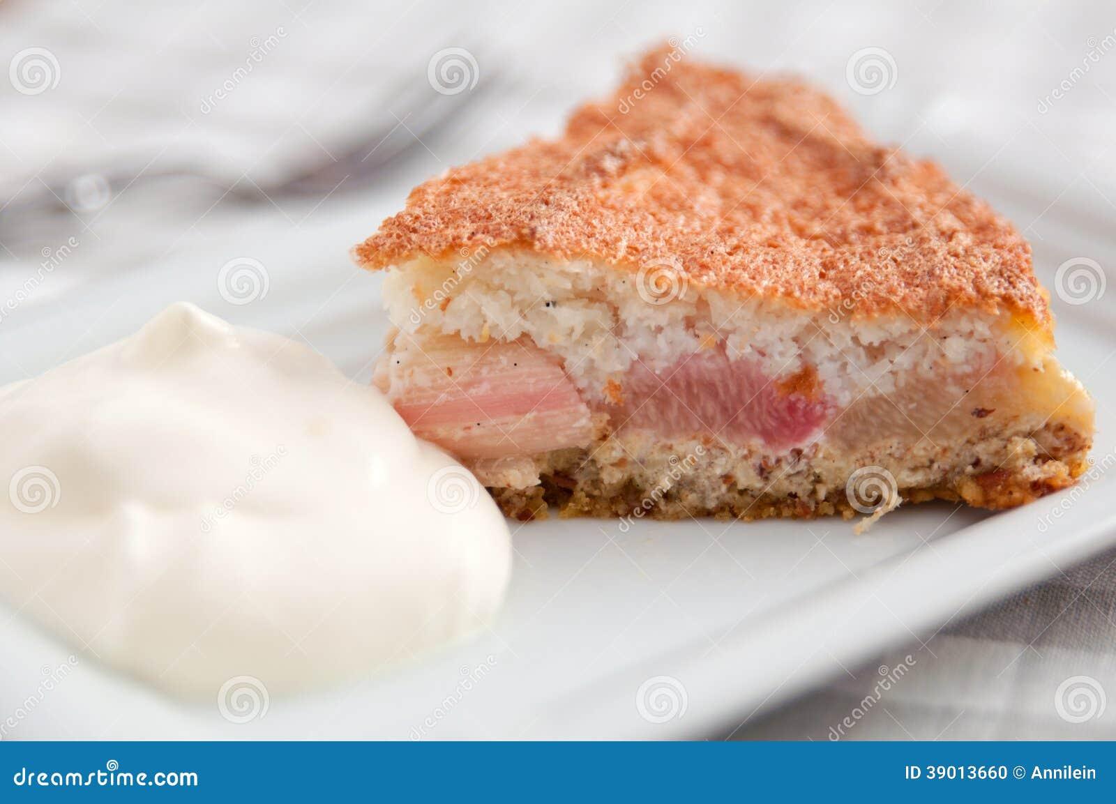 Gateau rhubarbe noix