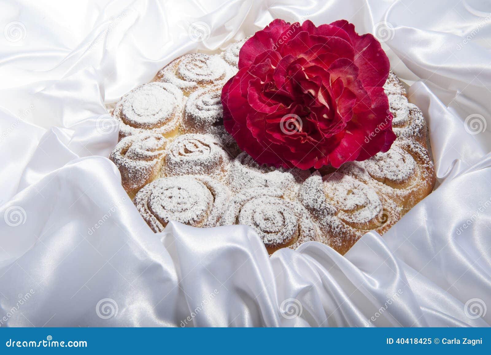 G teau de roses pour la f te des m res photo stock image - Gateau pour la fete des meres ...