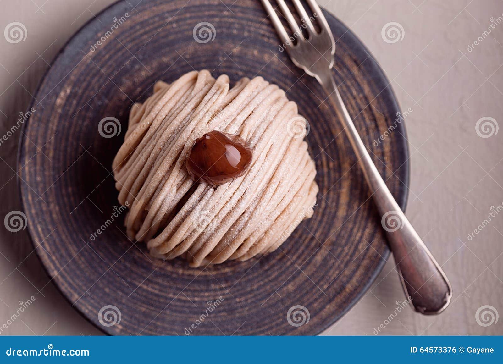 Gâteau traditionnel français Mont Blanc