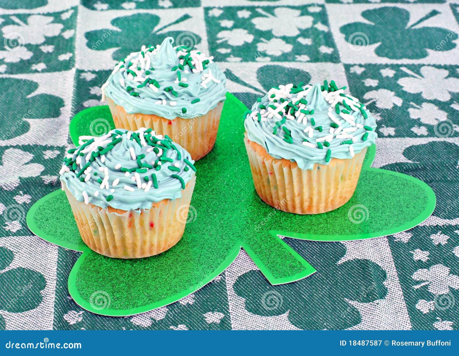 Gâteaux de jour de rue Patrick