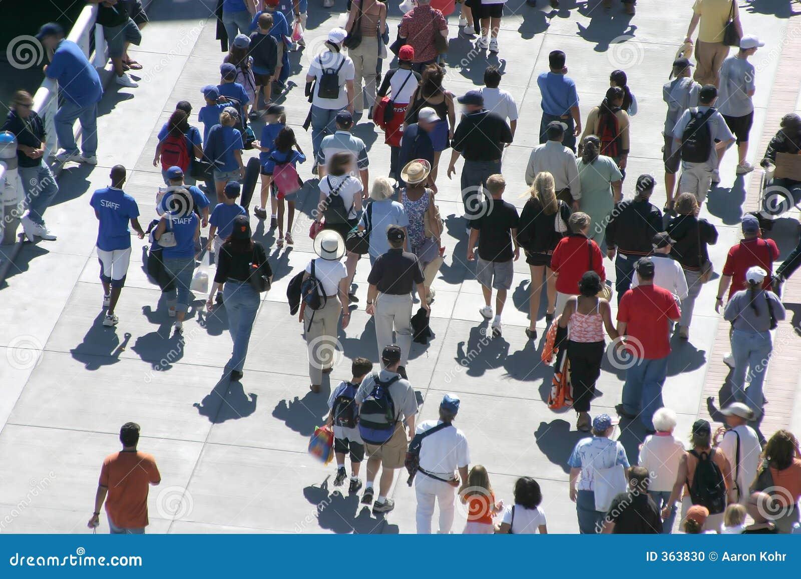 Gå för folkmassa