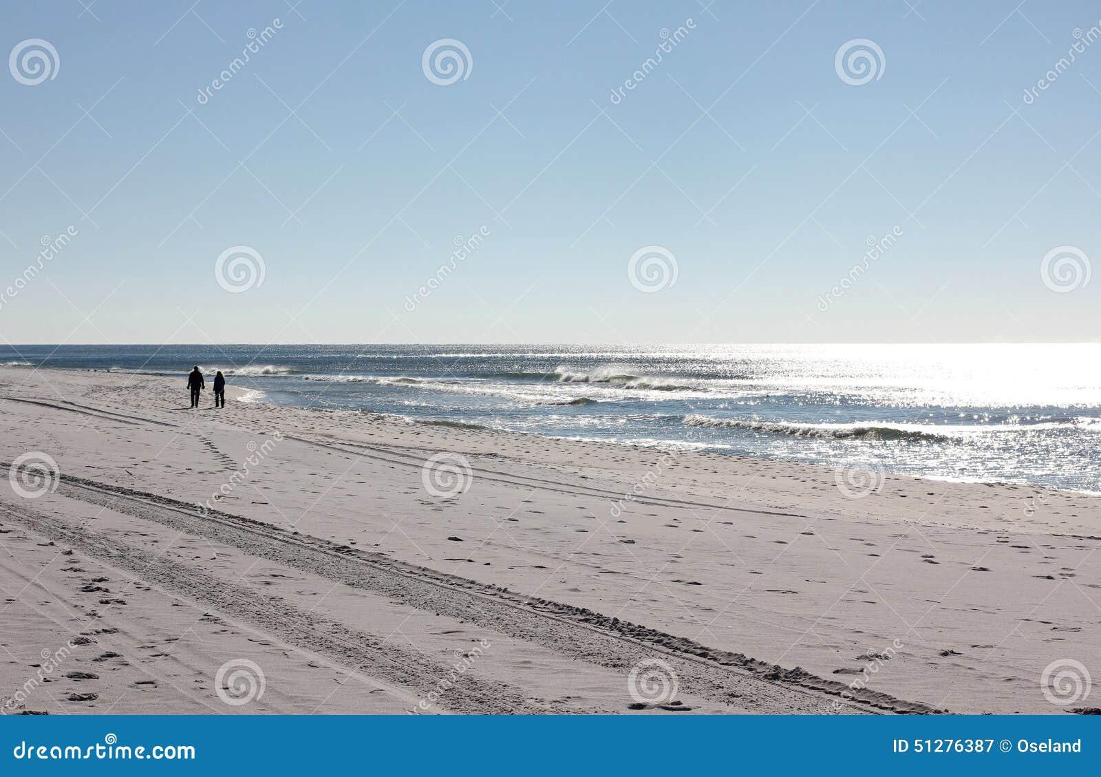 Gå kvinna för strandman