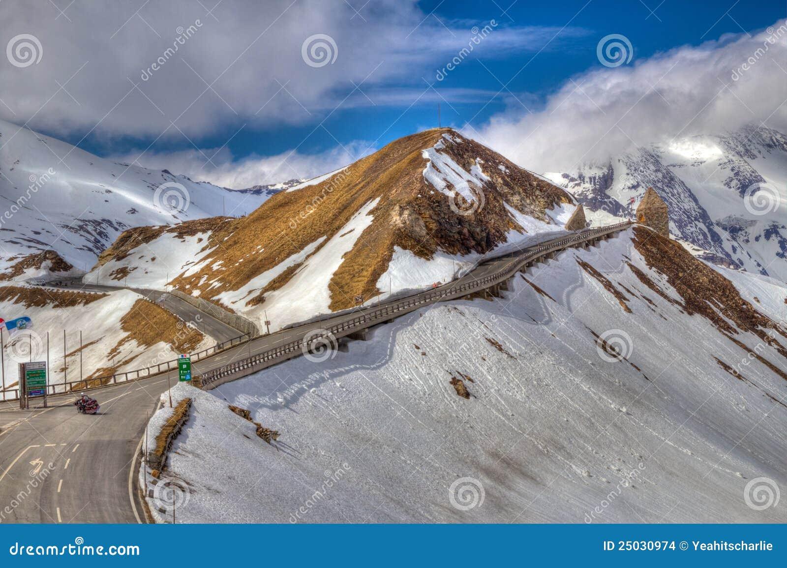 Gående nästa väg för berg till upp
