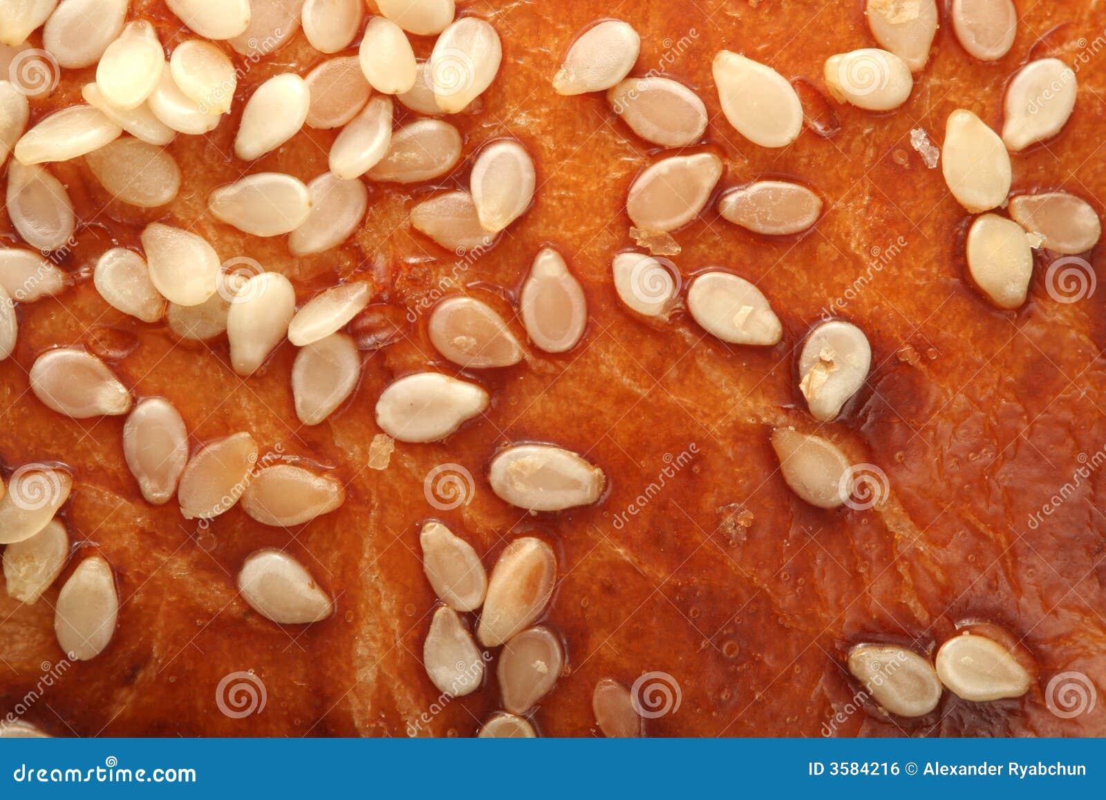 Gérmenes de sésamo en la corteza del pan