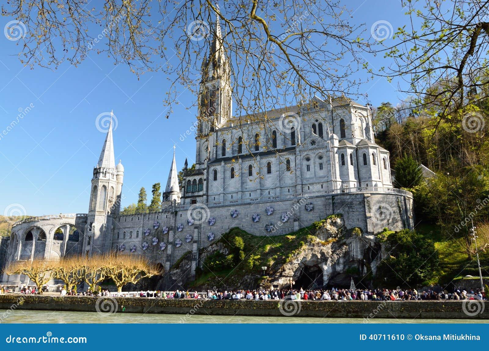Górny kościół w Lourdes