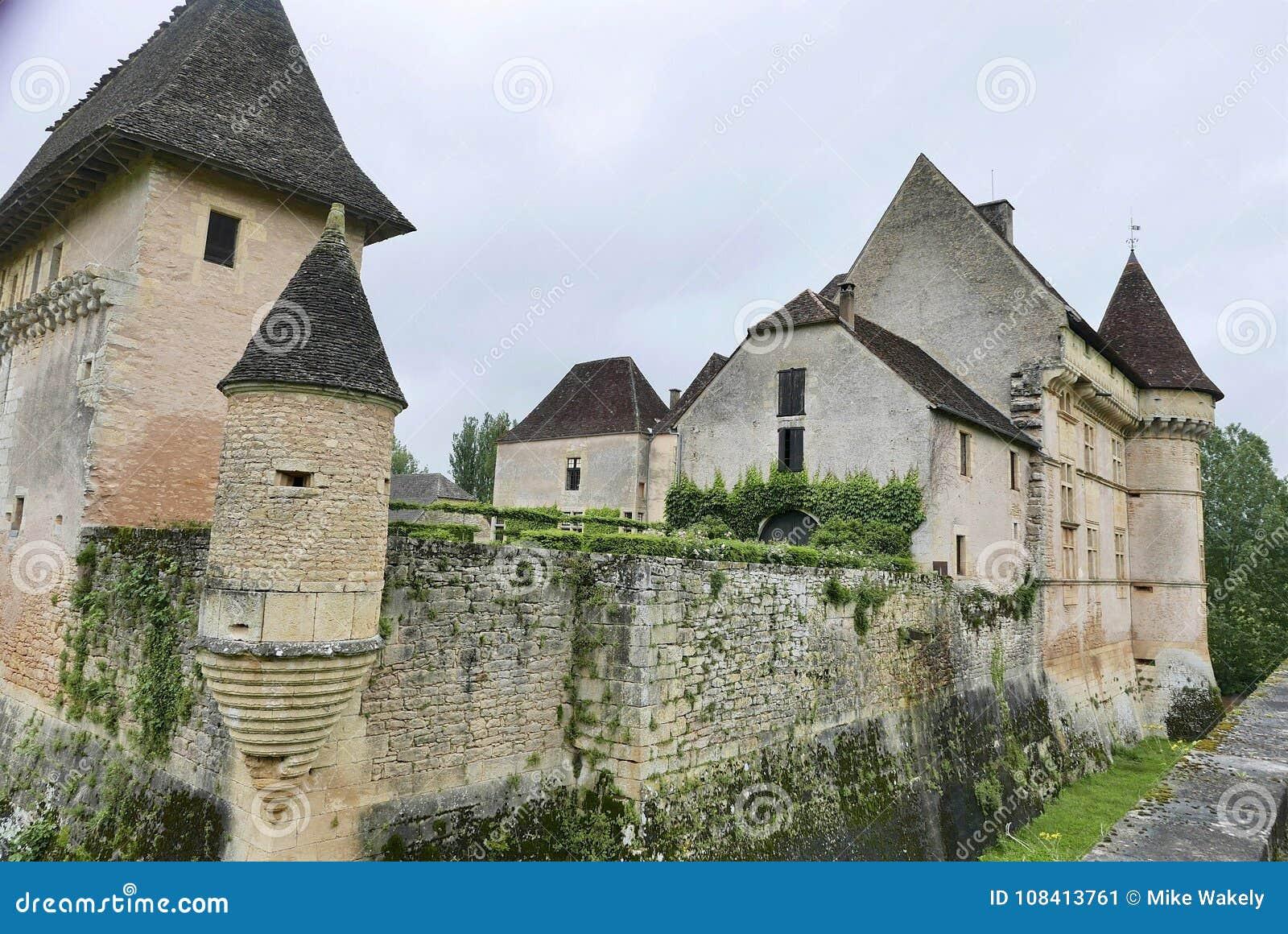 Górska chata De Losse przy Thonac w Dordogne