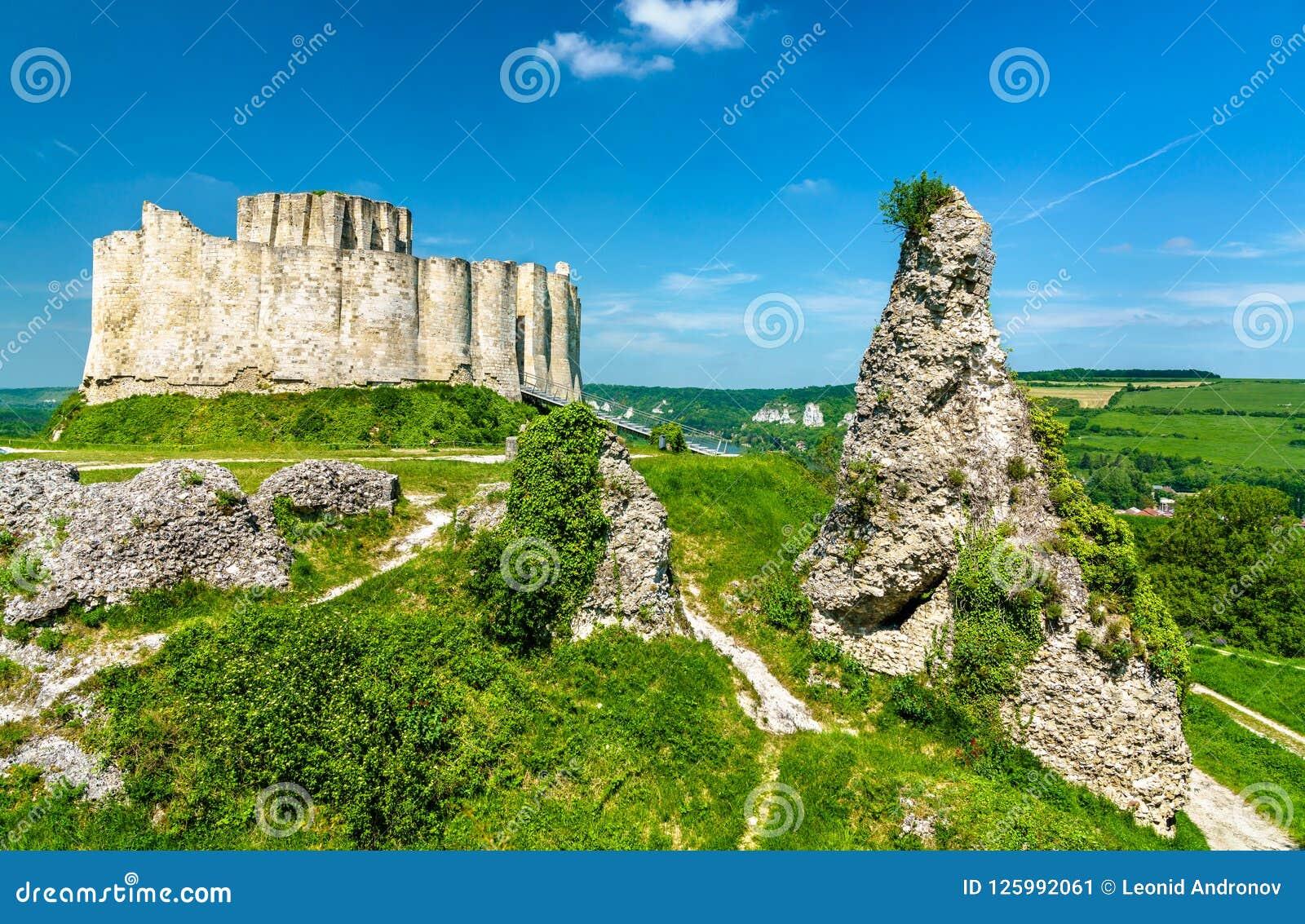 Górska chata Gaillard, rujnujący średniowieczny kasztel w Les Andelys miasteczku - Normandy, Francja
