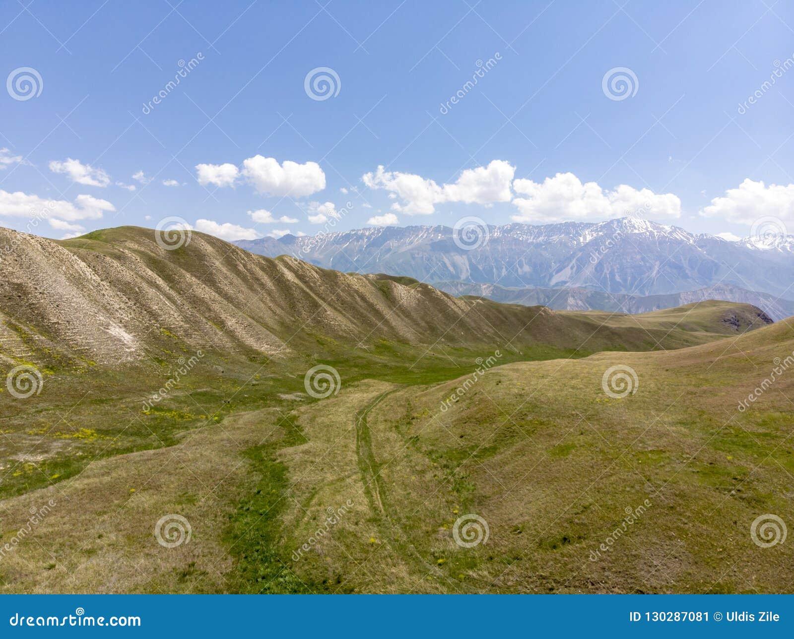 Góry w Kirgistan przepustka kraj Otwiera Za Ferghana dolinie