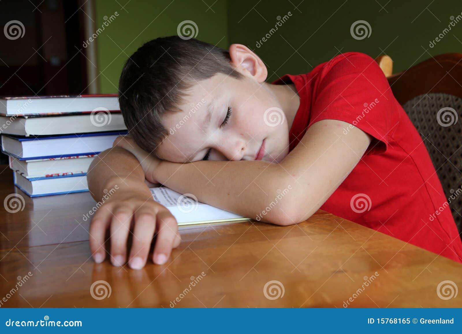 Gör läxan som tröttas till för