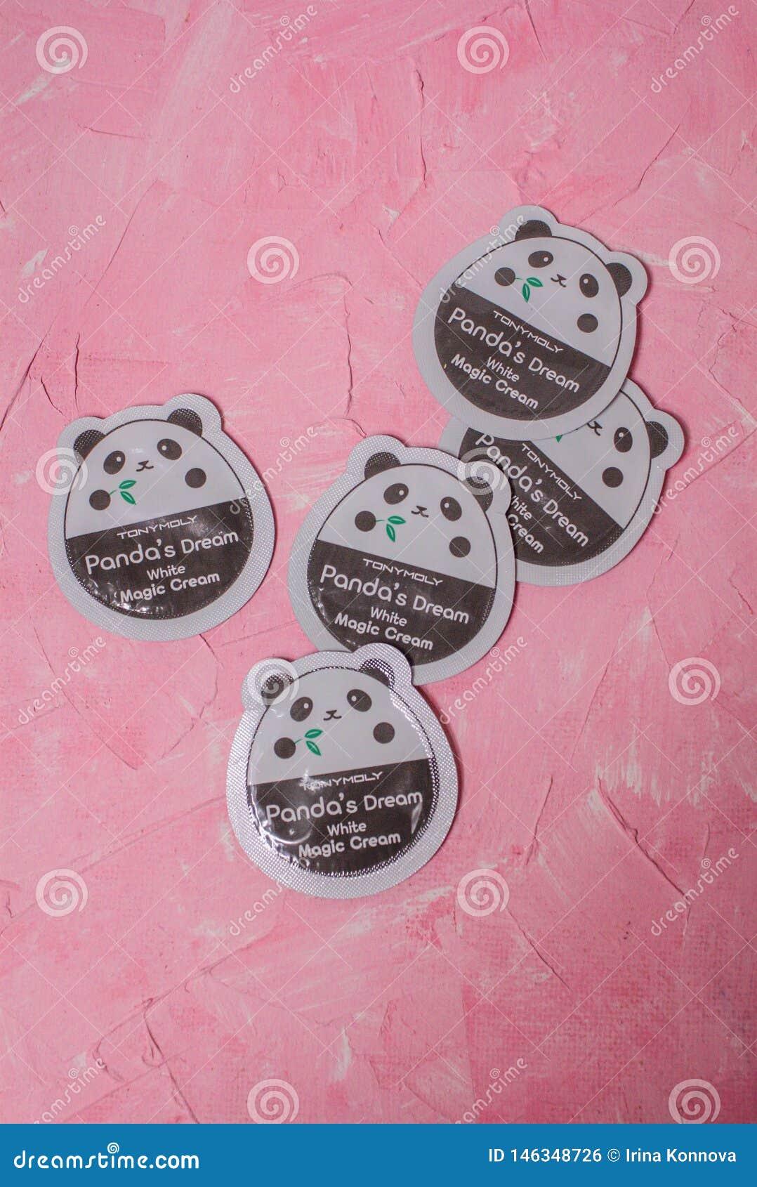 Görande ljusare Tonys Moly Pandas för framsidakräm dröm- vita magiska kräm