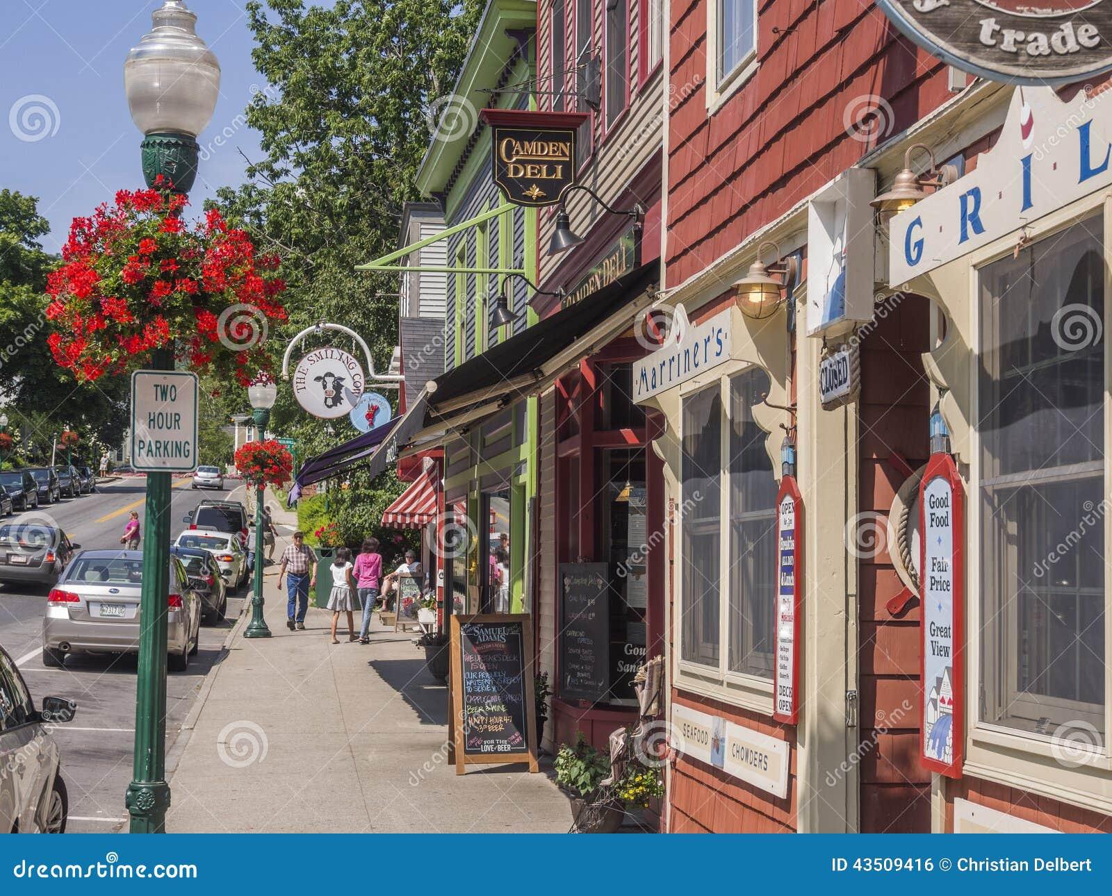 Główna ulica w Camden, Maine, usa