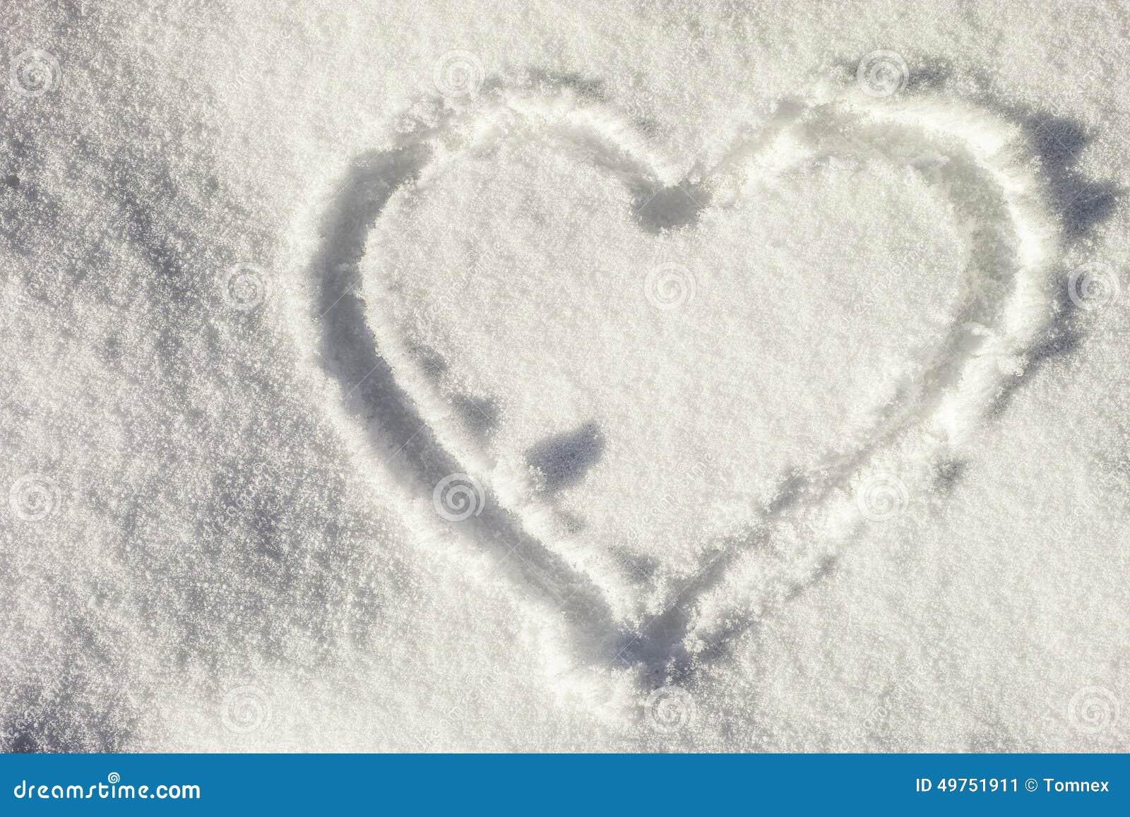 Głębii śródpolny serca płycizny śnieg