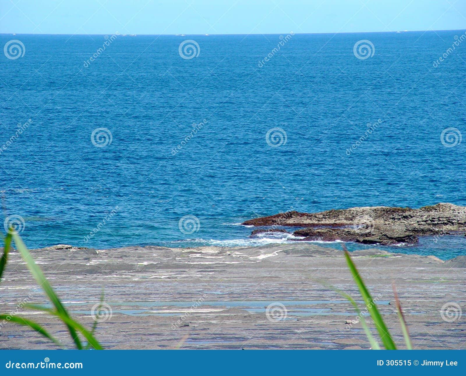 Głębokie morze niebieskie