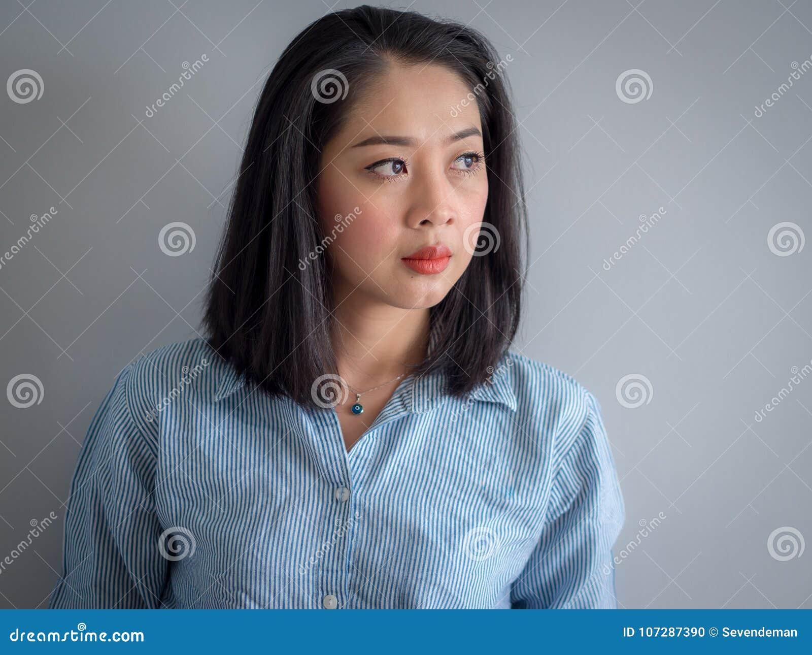 Głowa strzału portret Azjatycka kobieta