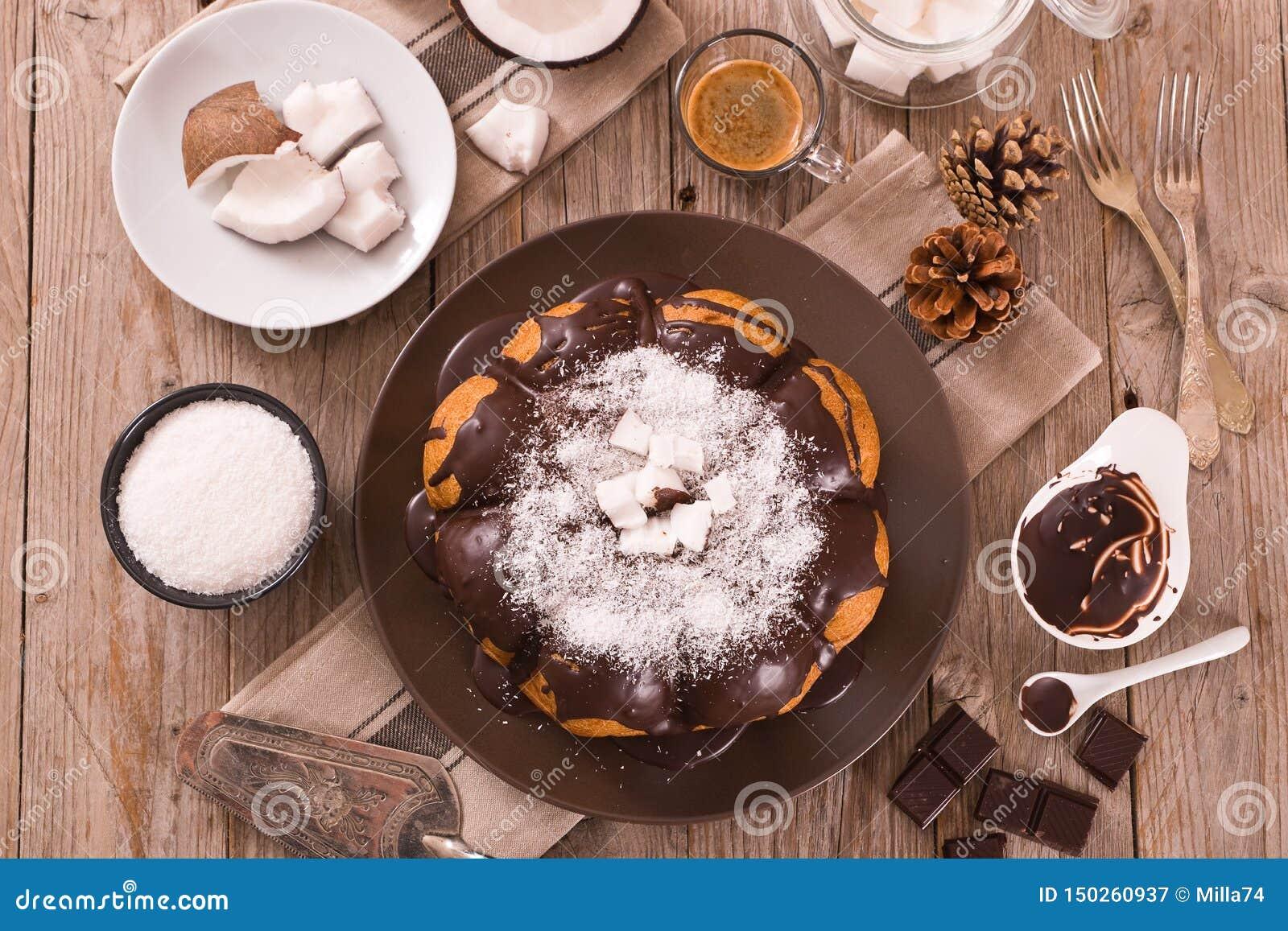 G?teau de noix de coco de chocolat