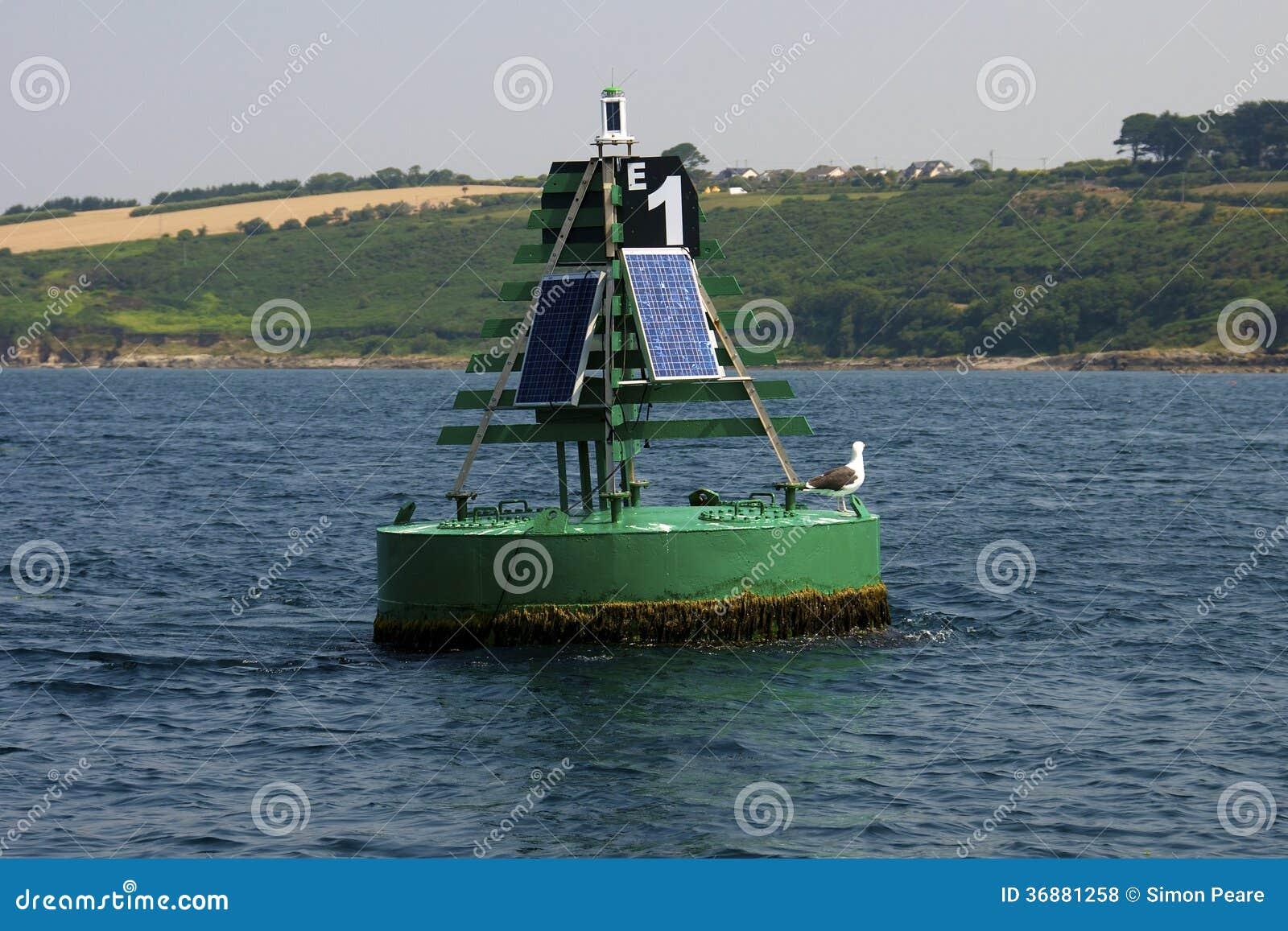 Download Gabbiano Su Una Boa Nel Porto Di Cobh Fotografia Stock - Immagine di onde, galleggiante: 36881258