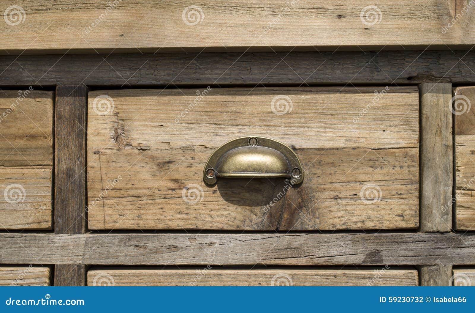 Gabinete de madera viejo del cajón