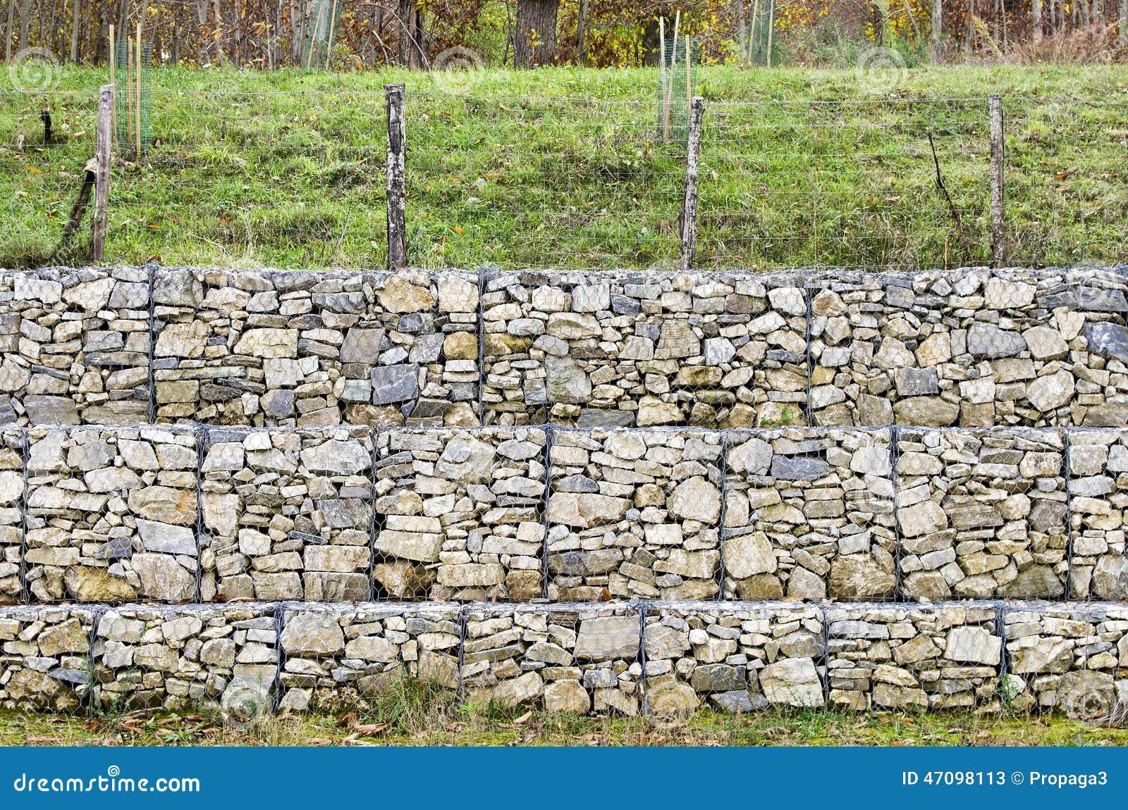 Gabion de mur de sout nement photo stock image 47098113 - Mur soutenement gabion ...