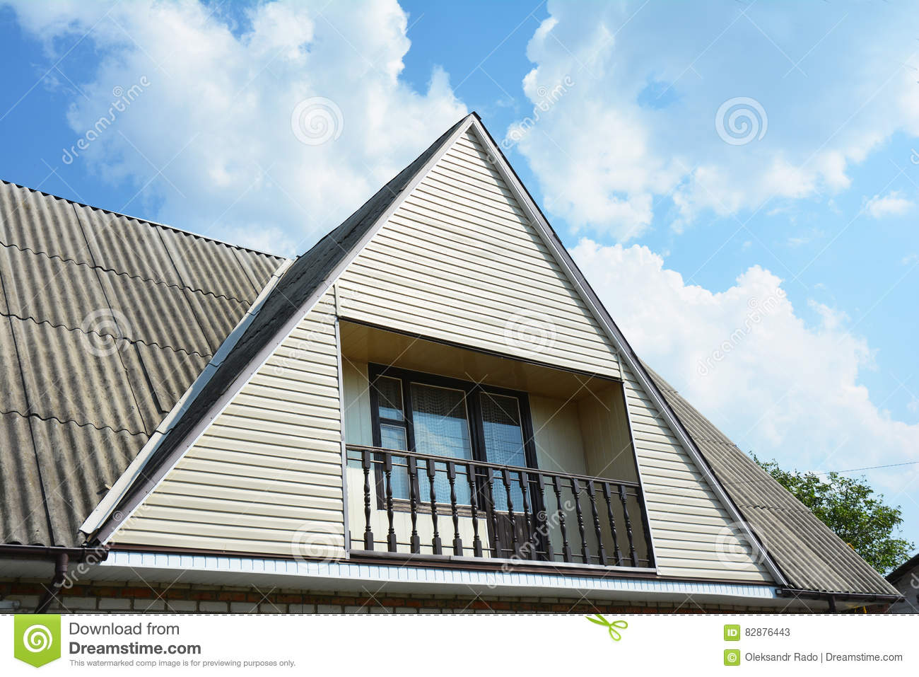 Gable and valley type of roof construction with cozy for House roof construction