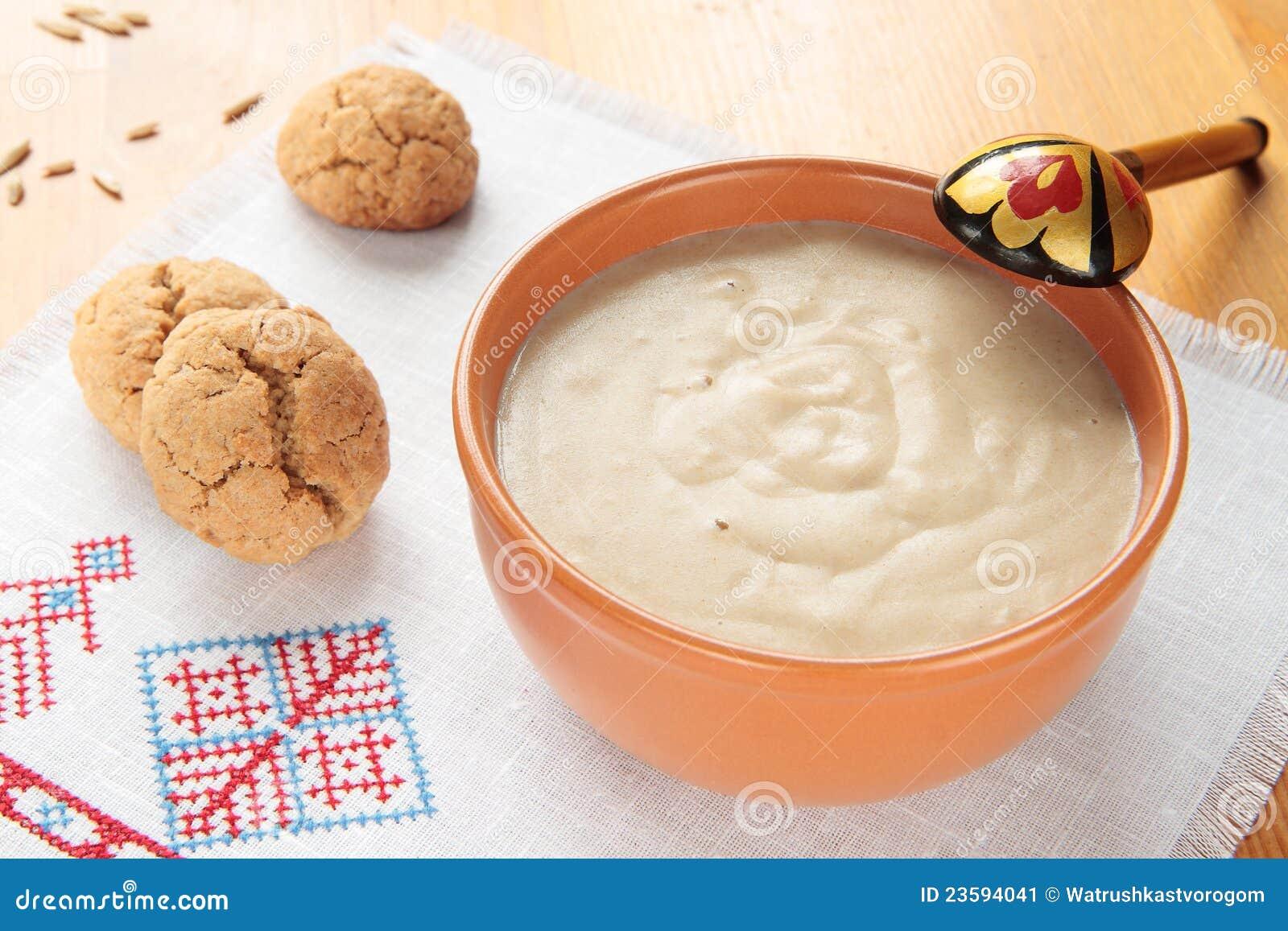 Gachas de avena de las galletas de la harina de avena y de - Cocinar harina de avena ...