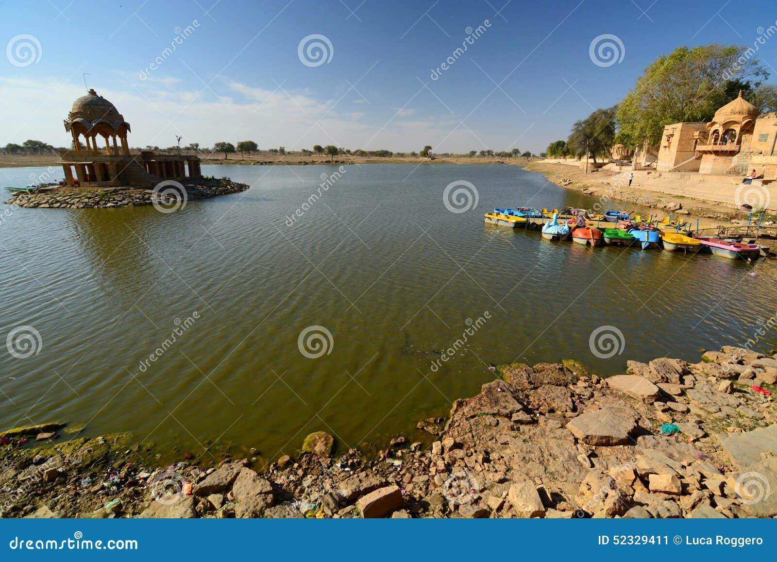 Gadisar jeziora Jaisalmer Rajasthan indu