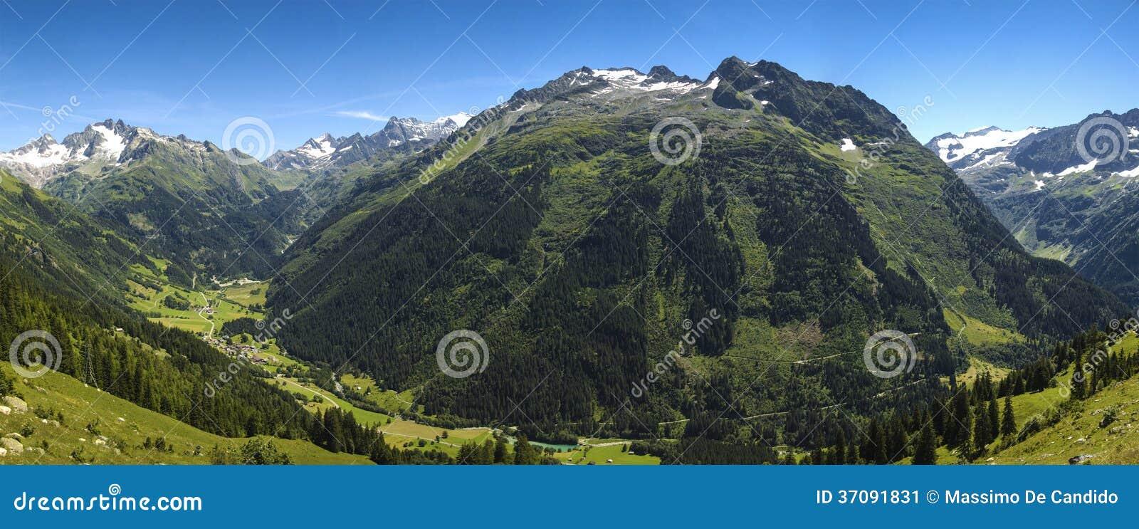 Download Gadmental, Lato Panorama - Szwajcaria Obraz Stock - Obraz złożonej z alps, góry: 37091831