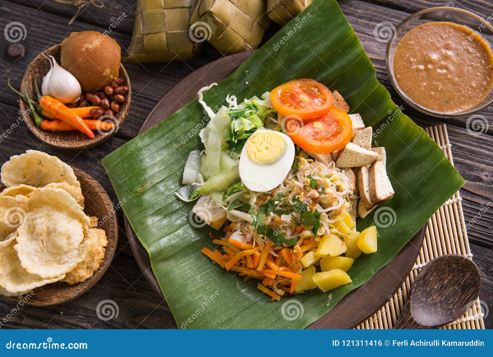 Gado Gado Famous Indonesian Tradtional Dish Stock Photo Image Of Green Fresh 121311416