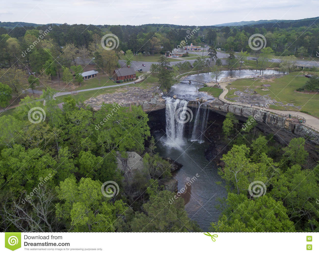 GADSDEN, ALABAMA - APRIL 14, 2016: Flying Over Noccalula Falls Park ...