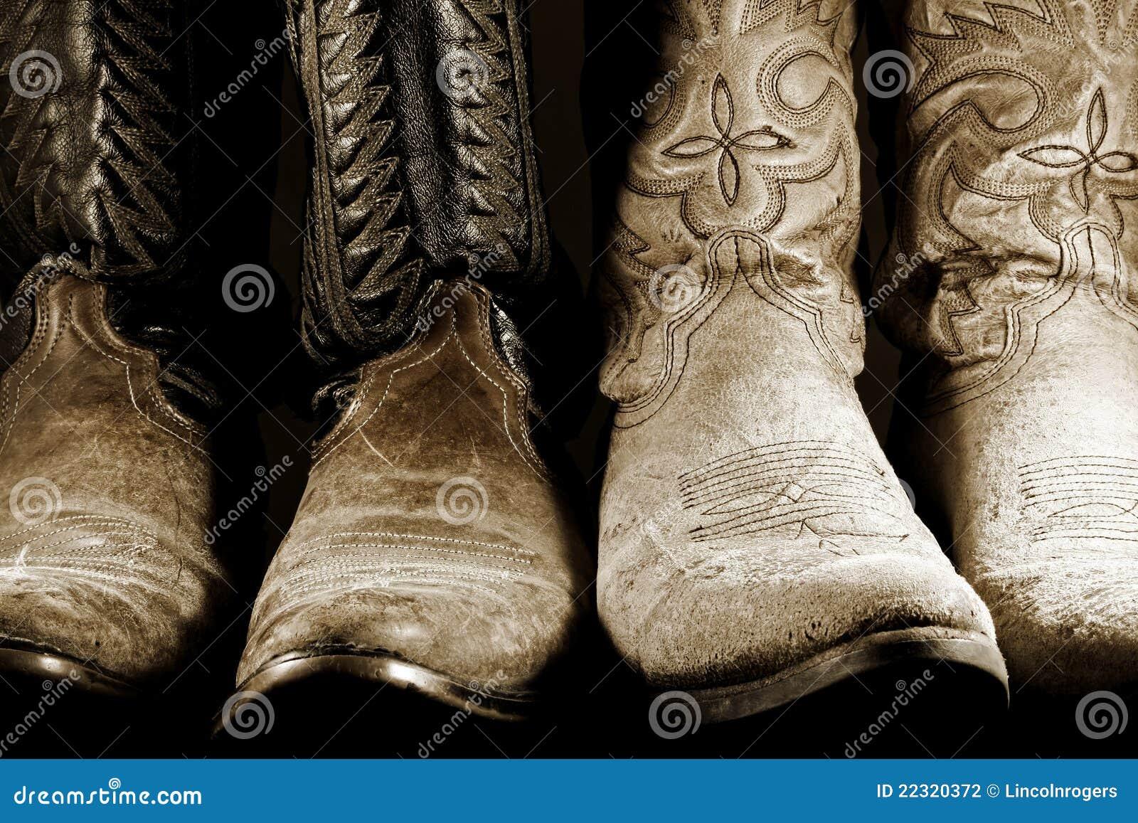 Gaines de cowboy dans la lumière contrastée