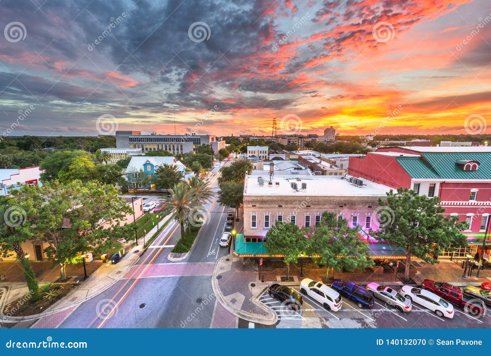 Gainesville, Florida, cityscape van de binnenstad van de V.S.