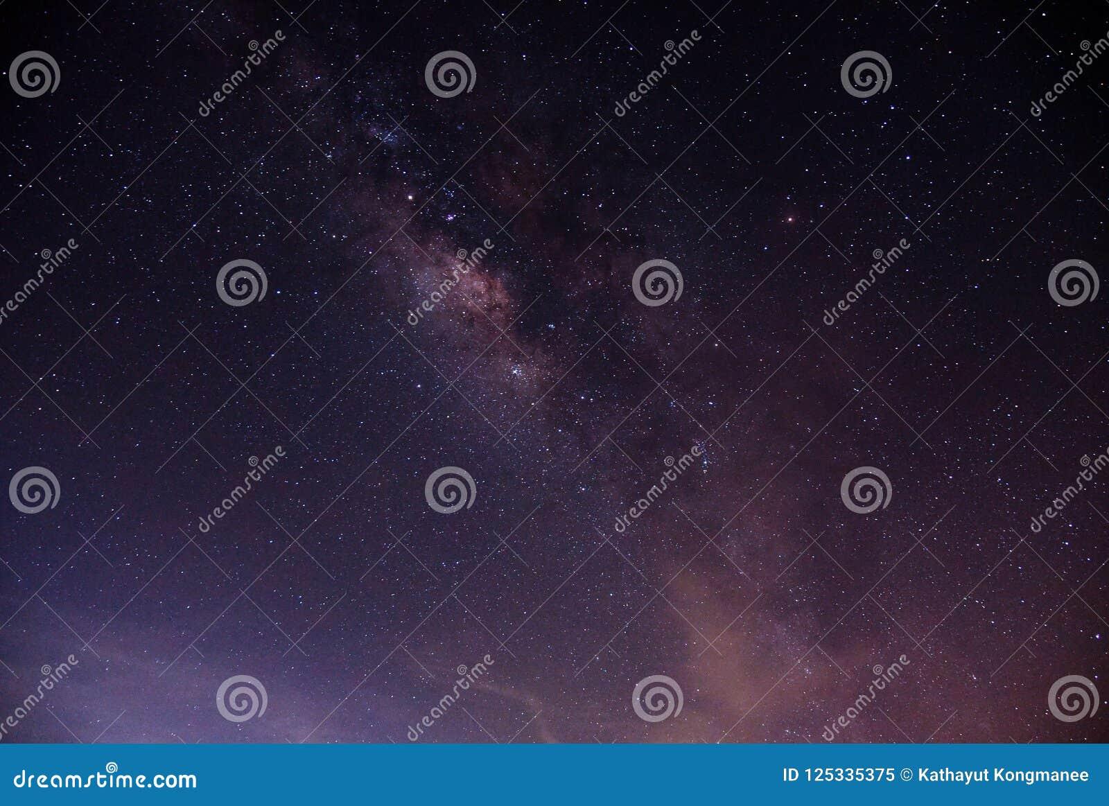 Galassia della Via Lattea sul cielo