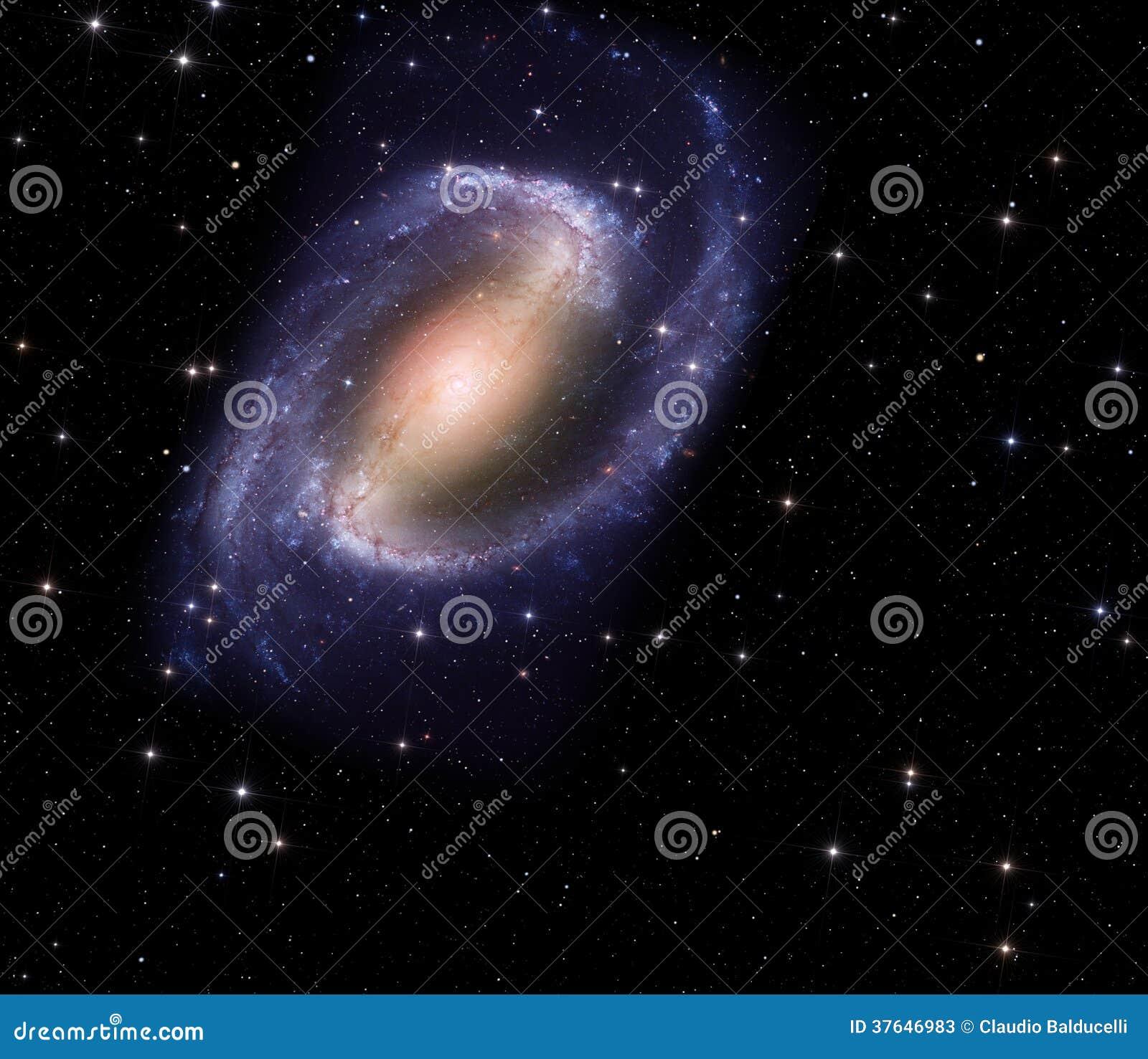 Galaxia espiral en espacio profundo