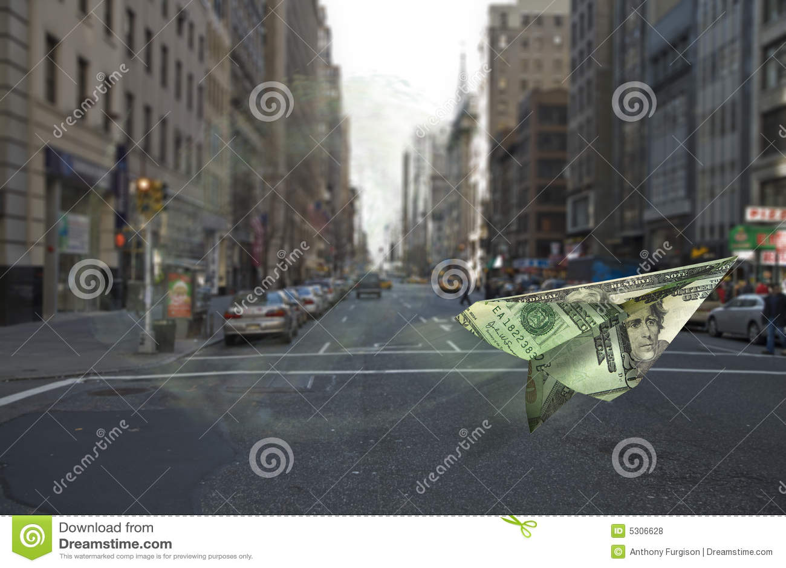 Download Galleggiamento dei soldi fotografia stock. Immagine di interesse - 5306628
