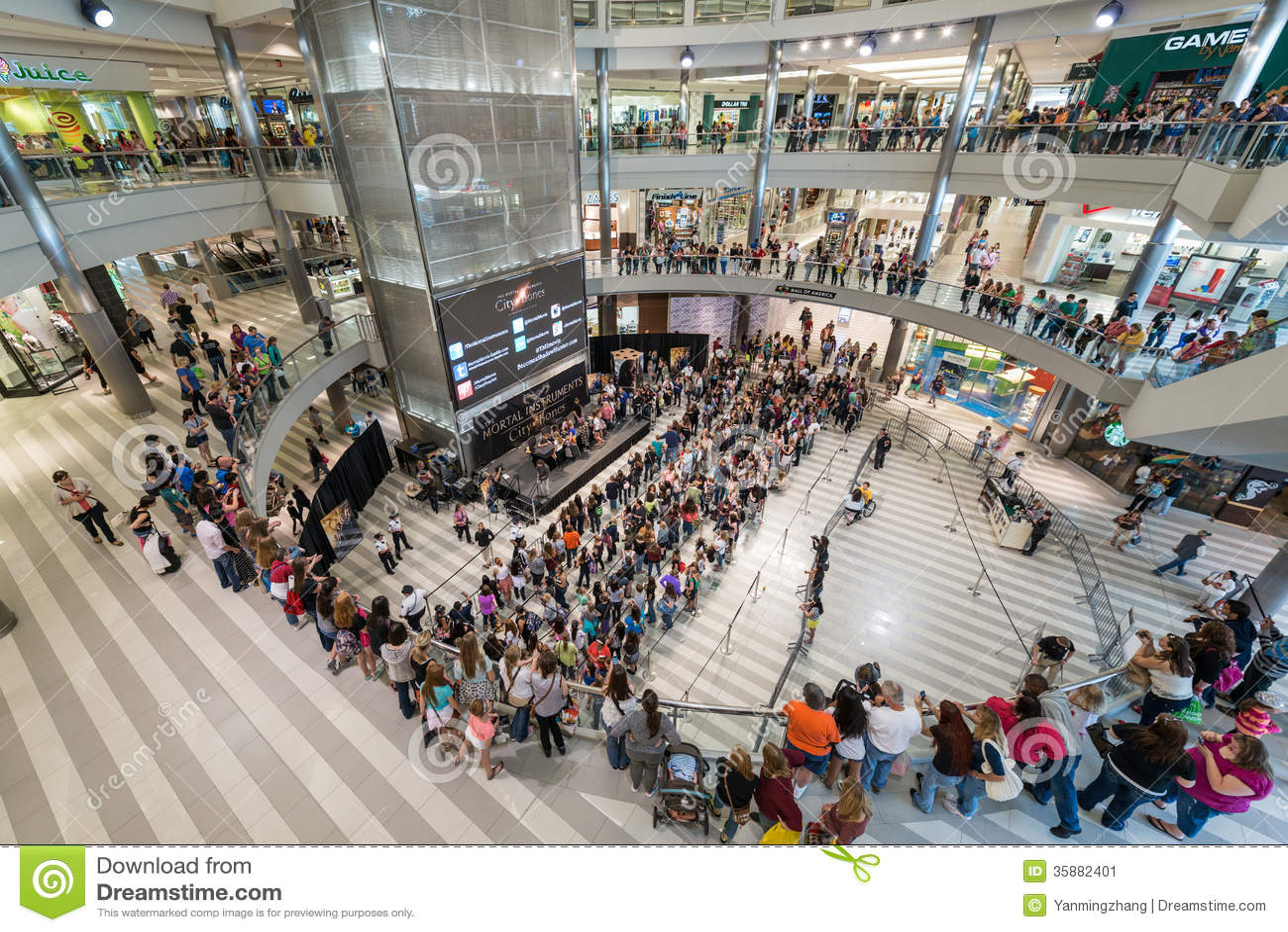 Galleria av Amerika under en upptagen dag